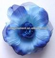 de buen aspecto azul hecha a mano de flores de tela