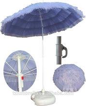 un paraguas de paja de la piscina playa paraguas palapa brisa