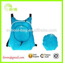 pequeña mochila azul plegable unisex
