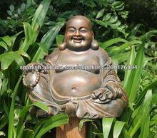 feliz estatua de Buda