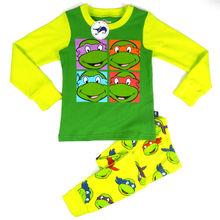 los niños de dibujos animados de prendas de vestir