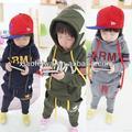 2014 nuevo estilo de la moda estrella de los niños chicos deportes traje