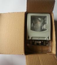 ventana transparente caja eléctrica