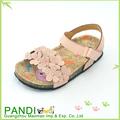 nuevo diseño de las niñas sandalias planas sandalias de goma