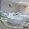 cuarto de baño pequeño y redondo bañera bañera de piedra