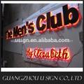 la publicidad del club de luz de la letra señalización