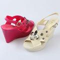 señoras 2014 pvc sandalias de plástico de color sólido de tacón de cuña de metal sandalias sandalias decorativas