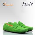 Los hombres de cuero de los holgazanes del ante del zapato