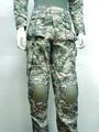 Ejército acu digital del camuflaje con cojines kneepad pantalones pantalones militares