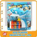 caliente venta estilos del medio ambiente de juguete de plástico de la burbuja de los delfines pistola