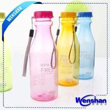 de plástico botella de deportes