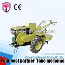 pequeño tractor caminar