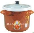 mecánica de arcilla púrpura olla de sopa de olla de cocción lenta con blanco en el interior de cerámica