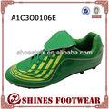 2015 nuevo diseño de los hombres zapatos de fútbol indoor