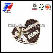 en forma de corazón caja de chocolate