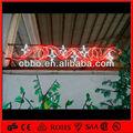 color rojo y blanco de navidad al aire libre de construcción decorativa de luces con motivos