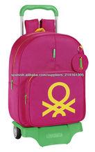 Mochila 33 cm con ruedas, diseño Benetton rosa