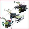 La agricultura de maquinaria en el mundo, muchas personas están usando una pequeña máquina con gasolina y diesel