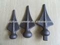 punta de lanza de hierro forjado decorativo
