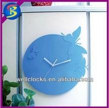 plástico mariposa reloj de pared