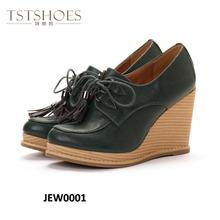 2014 Caliente! Vender! nuevo estilo sexy de cuña señora zapatos de borla