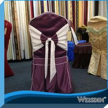 decoración de la boda cubierta de la silla púrpura
