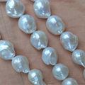ENORME BIGE Blanco nucleados barroco perlas de agua dulce 15.8 ' ' Kasumi -Like