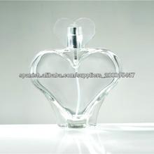 botella de corazón de cristal vacía