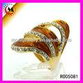 L'arrivée de nouveaux mode or rose anneau de grenat chiina gros charmes