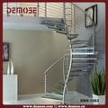 decorativa de acero en espiral escaleras con peldaños de vidrio
