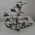 de estilo europeo negro candelabros de metal árbol flores