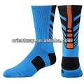 el de lujo de rayas para hombre atlético al por mayor customed diseños hechos de élite basketballs calcetines