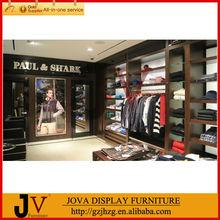 el diseño moderno de madera y de metal estante de la ropa tienda de instalación