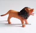dibujos animados de plástico juguete león