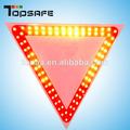 solar traffic triángulo de advertencia signo