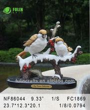 la decoración del jardín pájaros del amor de la figura