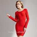 rojo vestido de fiesta con mangas largas