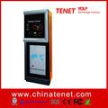 Sistema automático de estacionamento com máquina de pagamento com cartão