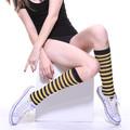 moq bajo y barato de atletismo del muslo del tubo de alta logotipo personalizado venta al por mayor de rayas del calcetín