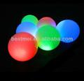 colorido de golf driving range de bola para la noche de la formación