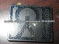 placas de acero inoxidable con el logotipo grabado