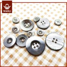 4 agujeros de botón imitación Shell Resin