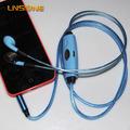 fone de ouvido à prova d'água de alta qualidade com iluminação fluindo para telefone celular