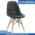 réplicas china preto coberto de couro cadeira de madeira
