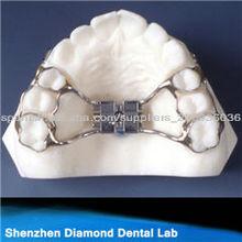 expansión de retenedor ortodóntico dental