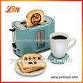 2013 caliente venta de plástico logo tostadora 2- rebanada con panel de acero inoxidable