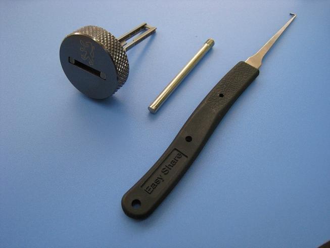 Peugeot locksmith tool