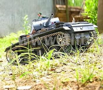 1: 16 Rc Smoking Panzerkampfwagen Iii Tank No. 3848-1