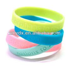 2013 personalized fashion food grade silicone bracelets