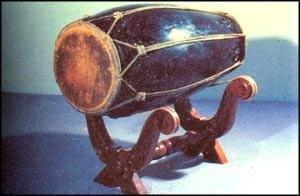 Alatan Muzik Tradisional Music Instrument